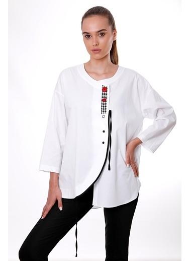 Clıche  Kahve Düğmeli Ve Biye Detaylı Bluz Beyaz